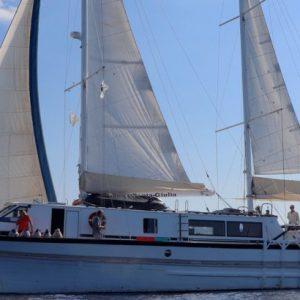 Private cruise with crew in Corsica