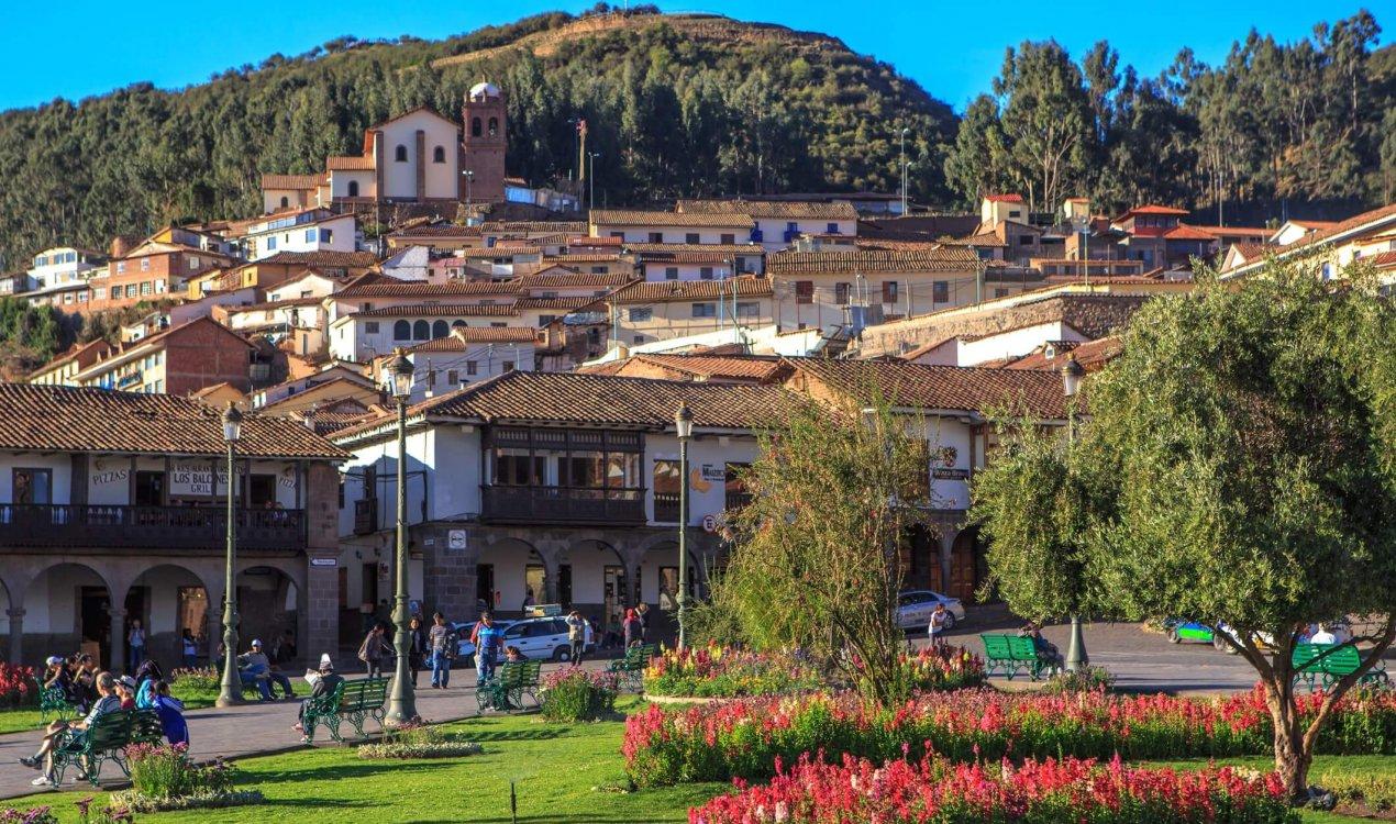 Exploring_Cusco…Plaza_de_armas,_Centro_Historico