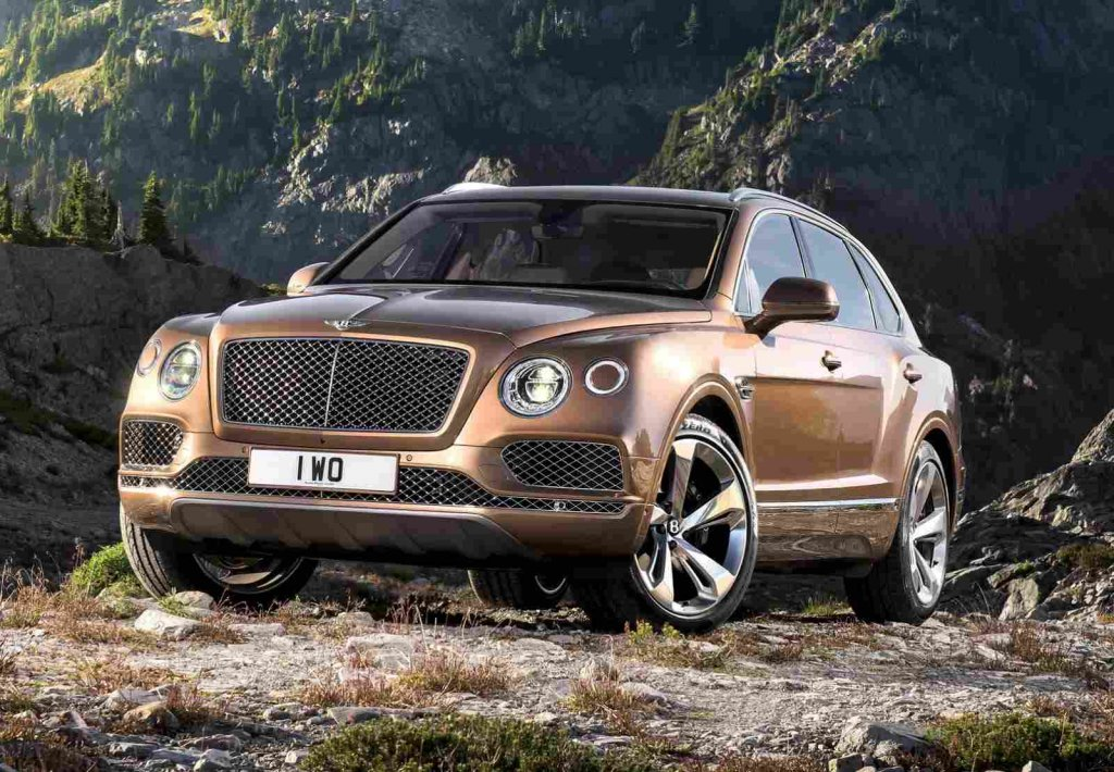 bentley-bentayga-on-hill
